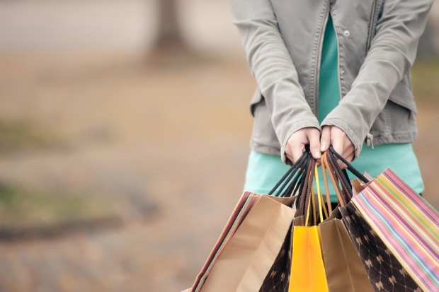 Sektor detaliczny korzysta na wyższych wydatkach gospodarstw domowych