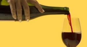 Produkcja win owocowych po 11 miesiącach niższa niż rok temu