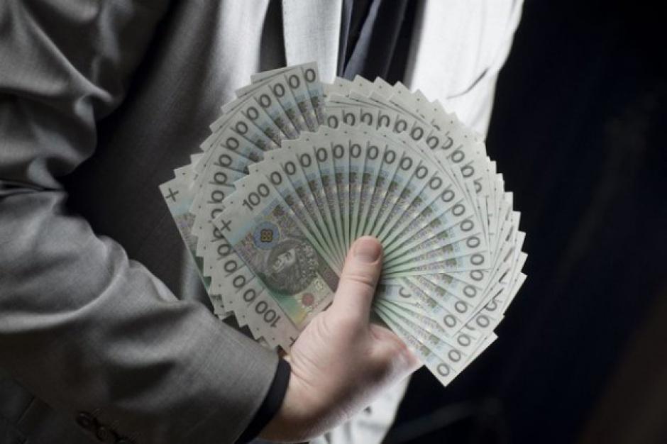 Sejm uchwalił podatek bankowy ze stawką 0,44 proc. rocznie