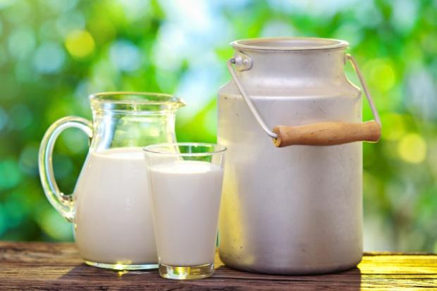 Czarny PR białego mleka
