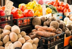 Wyższe ceny warzyw z ubiegłorocznej produkcji na Broniszach