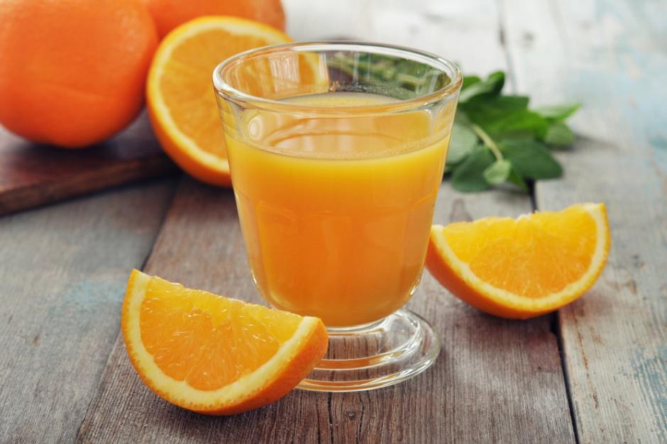 Brazylia wyprodukuje więcej soku pomarańczowego