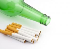 Pod Koszalinem policja znalazła nielegalny tytoń i alkohol