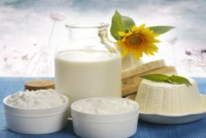 Nadal spadają ceny produktów mleczarskich