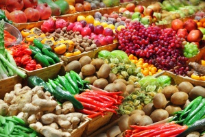 IŻiŻ ogłosił nową piramidę żywieniową. Owoce i warzywa podstawą diety