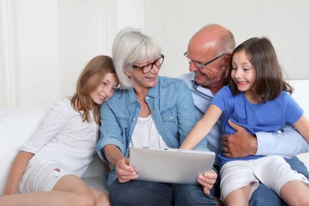 Wnuki poprawiają stan zdrowia i samopoczucia dziadków
