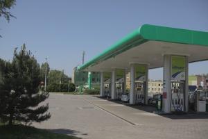 Podatek od handlu zapłacą także stacje benzynowe. Ceny paliw wzrosną o 4-6 gr