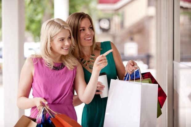 84 proc. Polaków poleca innym produkt lub usługę