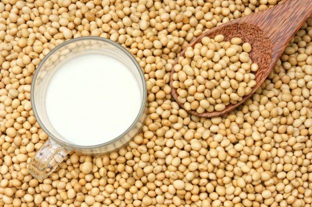 Mleko sojowe może być przechowywane w butelkach PET
