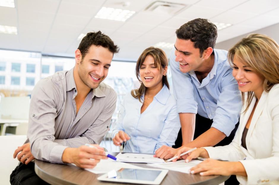 Sprawdź, co oferują najlepsi pracodawcy, aby pozyskać pracowników