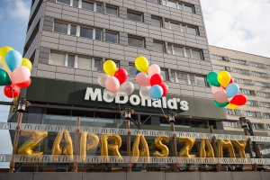McDonald's powraca do kultowej, pierwszej lokalizacji w Warszawie