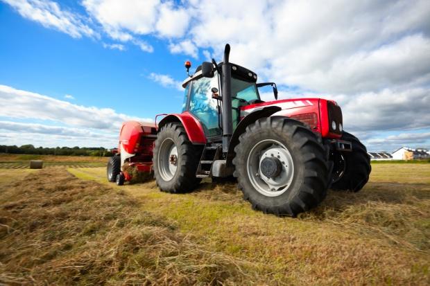 Używane traktory sprzedają się coraz lepiej