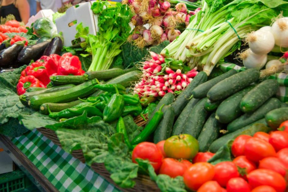 IERiGŻ: W styczniu wzrosły ceny kapusty białej, marchwi i pieczarek w skupach