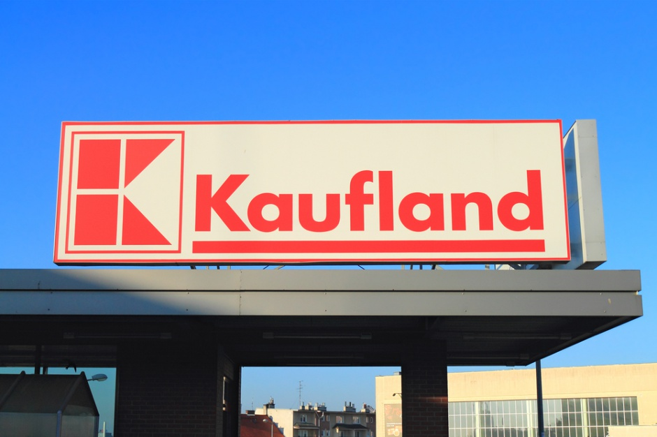 Siedem osób winnych wręczania łapówek pracownikowi sieci Kaufland