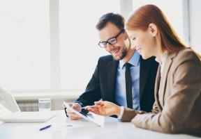 Rywalizacja zawodowa między partnerami. Jak jej unikać?