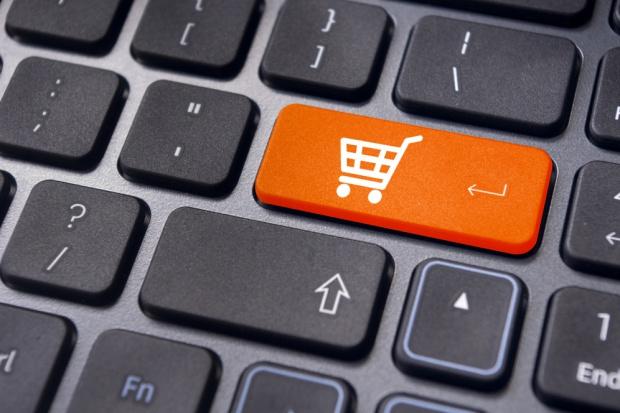 E-sklepy jednak bez podatku? Resort szykuje nową wersję ustawy