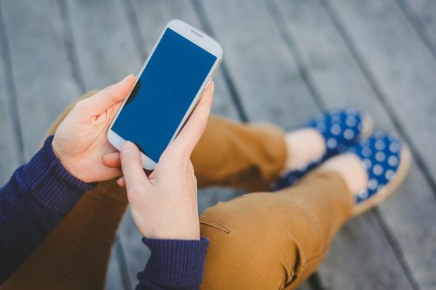 Zakupy mobilne napotykają bariery