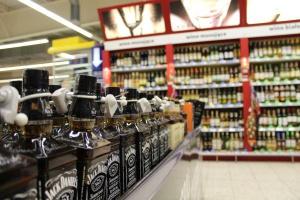 Ograniczenie legalnej sprzedaży alkoholu zagrożeniem dla wielu sklepów