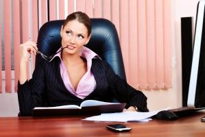Sprawdź, co jest największą przeszkodą dla kobiet w drodze na zawodowy szczyt