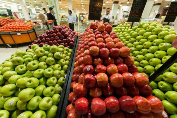 Ceny jabłek w sieciach handlowych kosztują 0,99-3,99 zł/kg