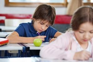 Będą nowe zasady dla programów dot. owoców, warzyw i mleka w szkołach (video)
