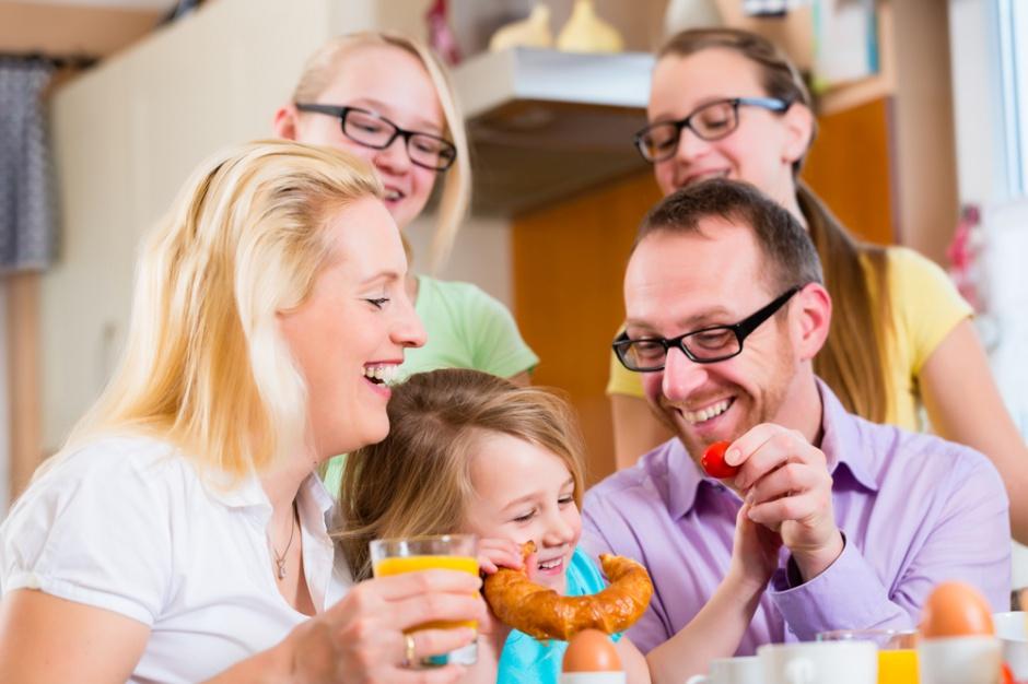 Polacy spożywają coraz więcej posiłków w ciągu dnia