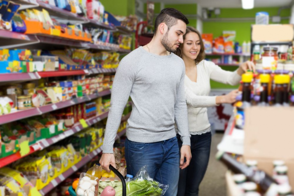 Po zakupy świąteczne 75 proc. Polaków uda się do super- i hipermarketów