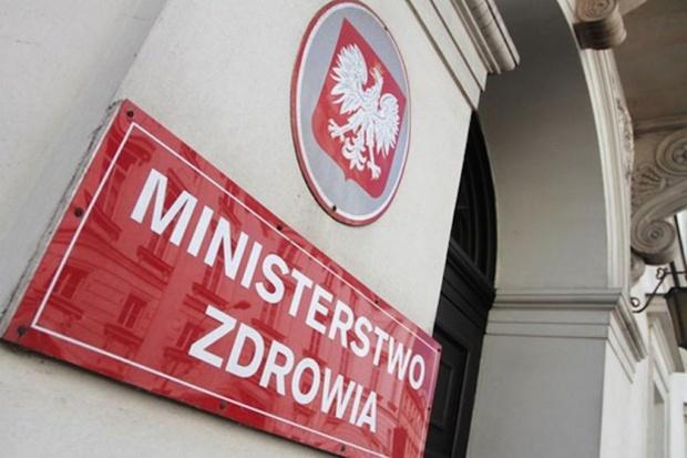 MZ: Zmiana nawyków żywieniowych Polaków musi być stymulowana nie tylko ograniczeniami