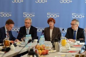 40 procent Polaków przeciwko programowi 500+