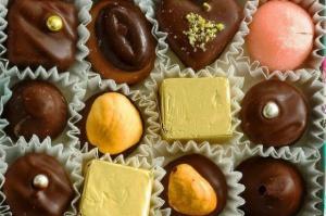 Produkcja czekolady i wyrobów wzrosła w lutym; cukierki radzą sobie słabiej