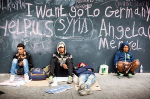 Szef MSZ: Będziemy rozpatrywać wnioski uchodźców o pobyt w Polsce