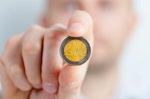 8,6 euro - koszt godziny pracy w Polsce vs. 25 euro średniej w UE