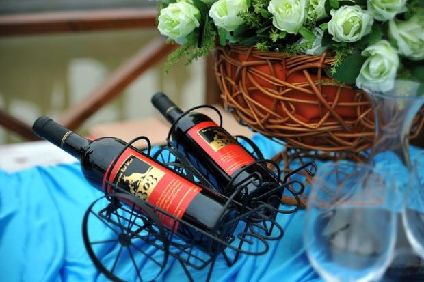 Wino będzie najchętniej pitym trunkiem w nadchodzącym sezonie weselnym