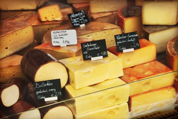 Hodowcy bydła i producenci mleka oskarżają sieci handlowe o nieuczciwe praktyki