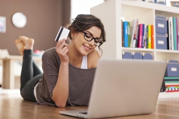 Badanie: Internet jest ważnym narzędziem zakupowym kobiet