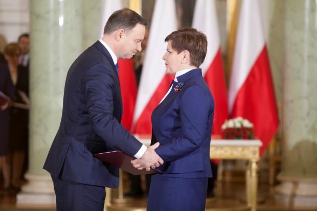 Financial Times: Inwestorzy martwią się o kierunek polityczny Polski