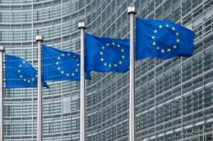 KE chce, by korporacje ujawniały podatki w UE i rajach podatkowych