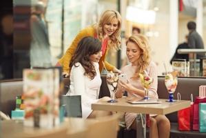 CBRE: Polacy chcą więcej wysokiej jakości restauracji w obiektach handlowych