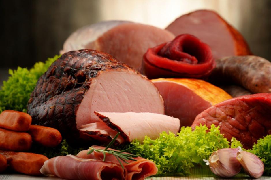 Spadają ceny detaliczne artykułów mięsnych
