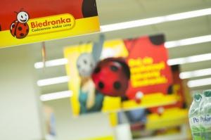 Biedronka wydłuża godziny pracy sklepów w związku z dniami wolnymi