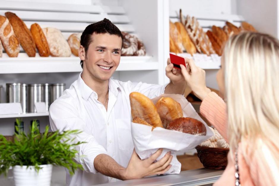 Na każdy nowy dyskont upadają średnio 3 małe sklepy