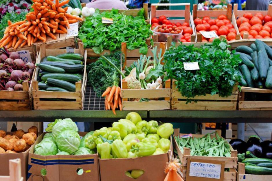 Na Broniszach coraz więcej warzyw. Ceny zbliżone do tych sprzed roku
