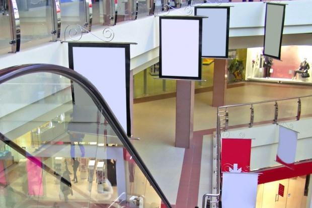Reklama w sklepie przyciąga klienta