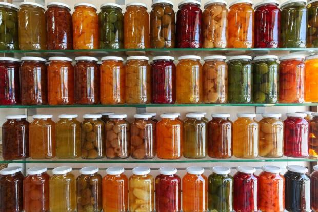Polacy wydają coraz więcej na przetwory owocowo-warzywne. Wartość rynku sięga 733 mln zł