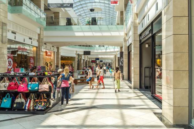 Centra handlowe zamierzają zatrudniać specjalistów