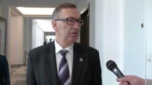 Szwed: Zakaz handlu w niedzielę w połowie 2017 lub od 2018 roku