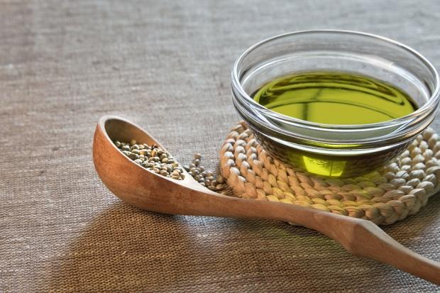 Olej konopny - Bez cholesterolu, ale nie do smażenia