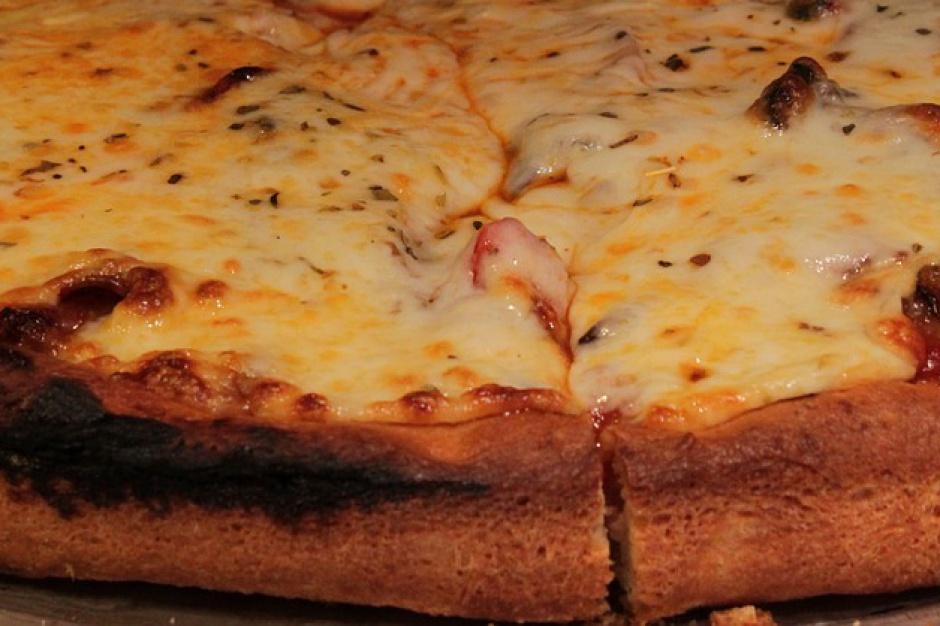 W Neapolu padł rekord w upieczeniu najdłuższej pizzy na świecie