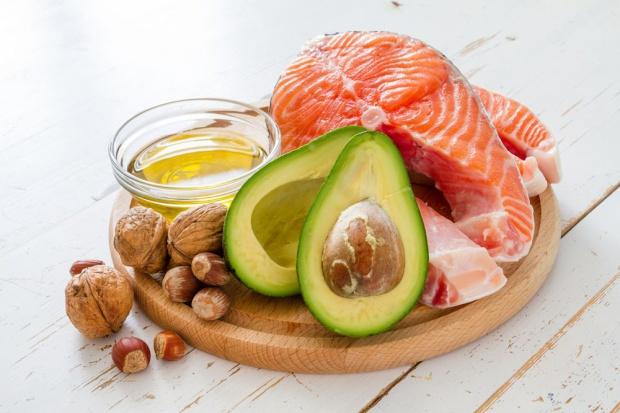 Tłuszcze spożywane w wieku kilkunastu lat mają wpływ na gęstość piersi