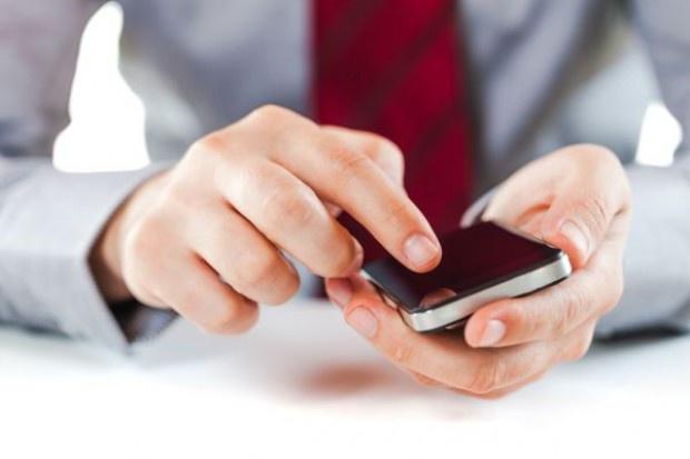 W urzędzie będzie można zapłacić smartfonem